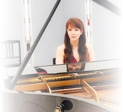 ピアノ演奏 イメージ写真1