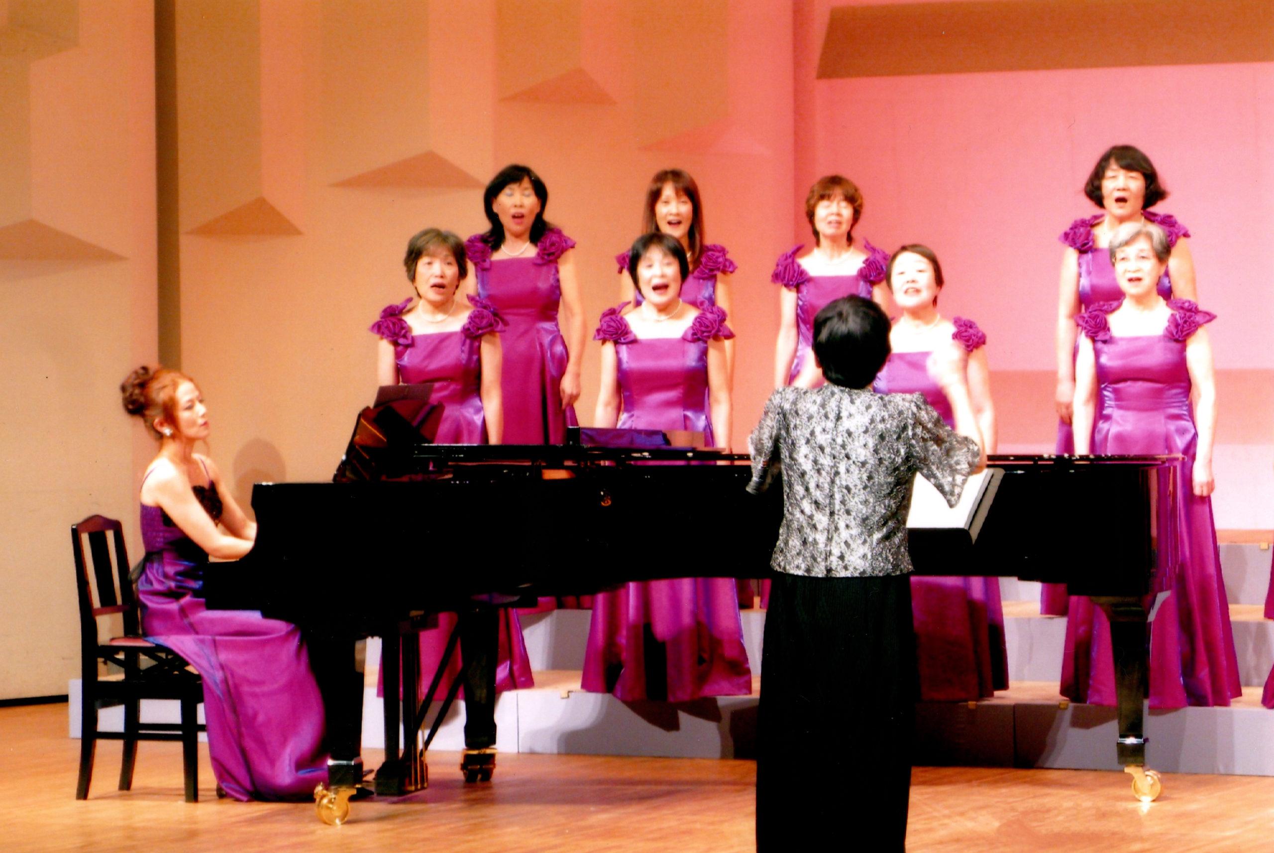 浜松市婦人合唱団でのピアノ演奏